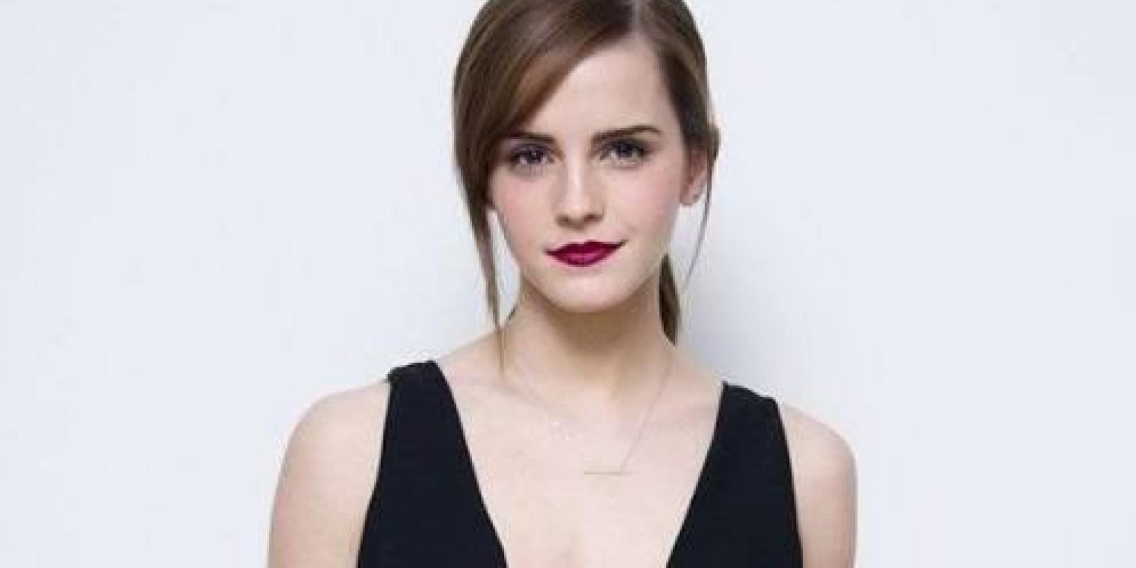 [Emma Watson escondeu 100 livros feministas no metrô de Londres]